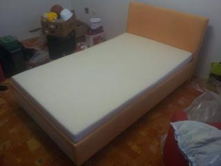Velká postel