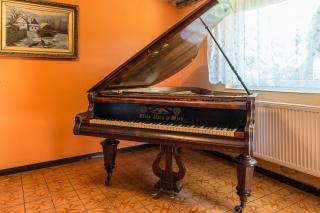 Klavir Alois Kern