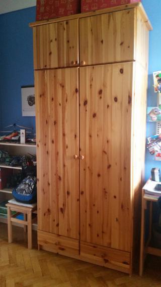 Šatní skříň - borovice
