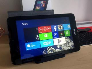 SET Tablet 32GB s Windows 8.1 + klávesnice a další