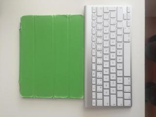 IPad 2 + bezdrátová klávesnice Apple