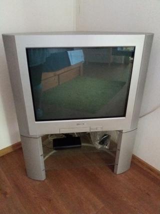 Televize SONY s podstavcem
