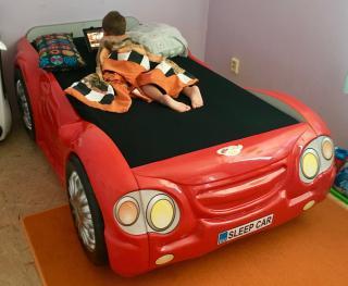 Dětská postel - autíčko