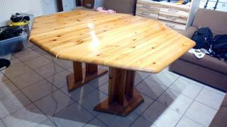 Jídelní stůl - borovice