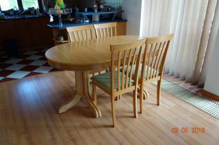 Jídelní stůl + židle