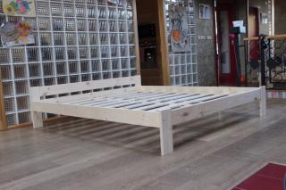 CZ výroba celodřevěná postel s roštem ABI