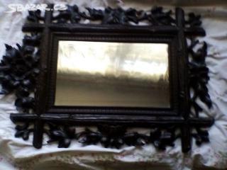 prodám z pozůstalosti přes 100 let staré ručně vyřezávané zrcadlo