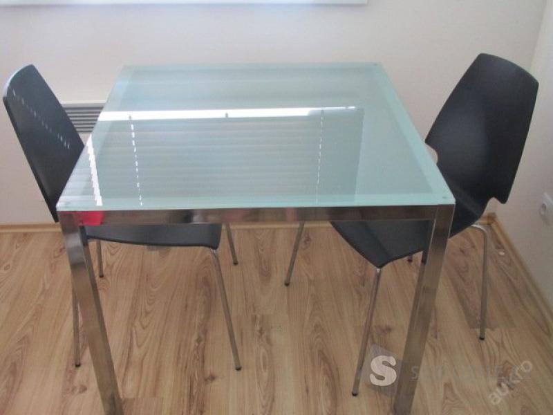 Jídelní stůl a židle IKEA