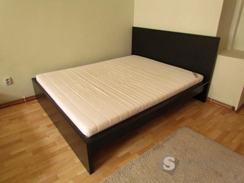 Manželská postel - rám s rošty