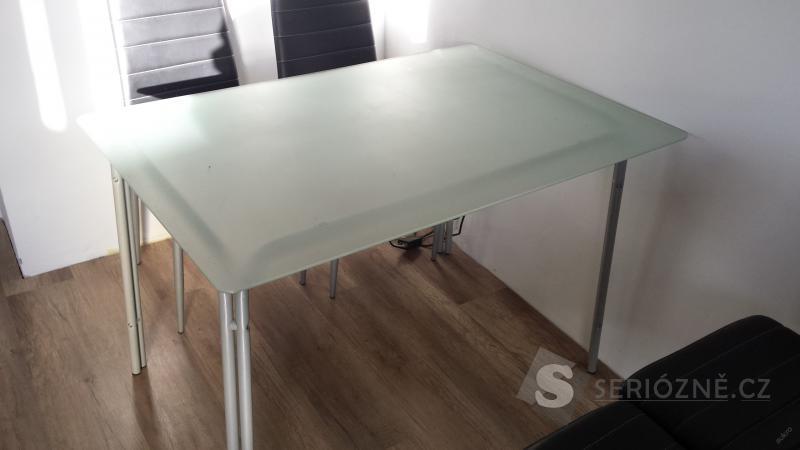 Jídelní stůl - sklo