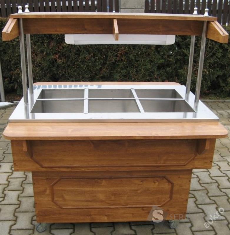 Chlazená salátová vana ve dřevě