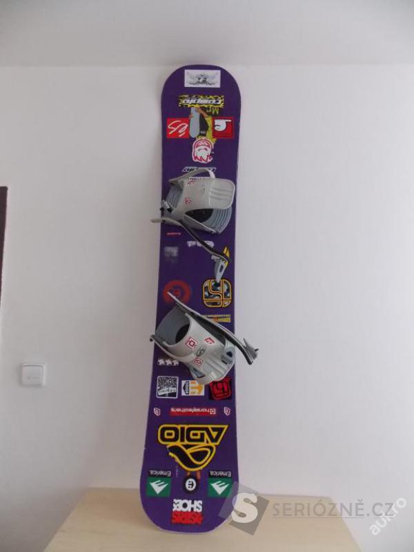 Dívčí snowboard