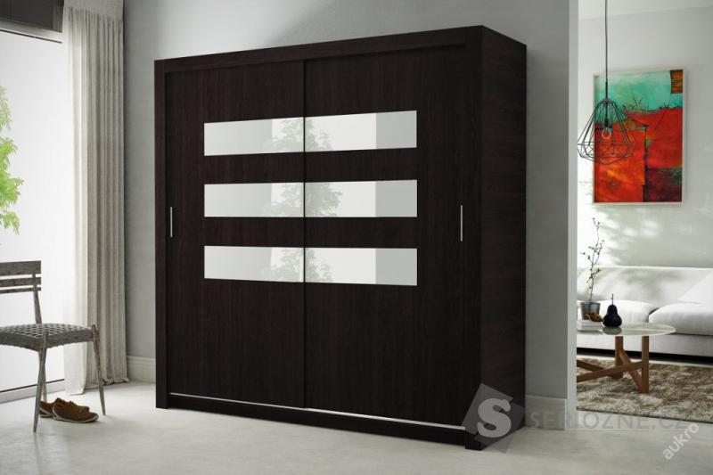 Šatní skříň s posuvnými dveřmi CORE 7