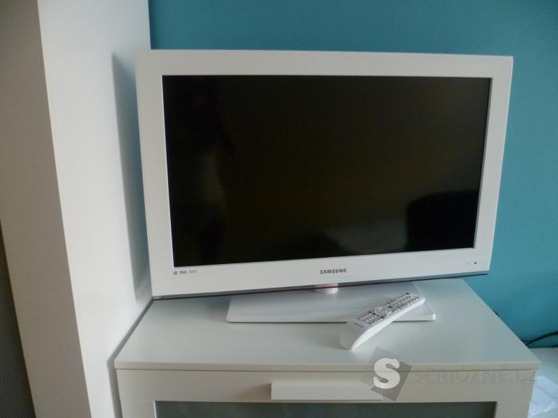 "LED televize Samsung, 32"""