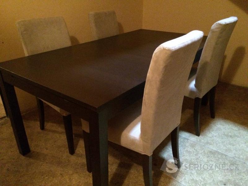 Jídelní rozkládací stůl a 4 židle