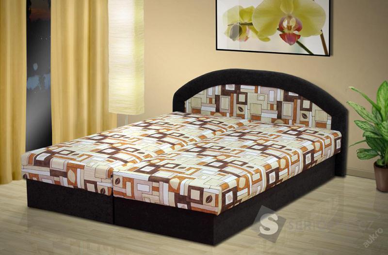 Manželská postel s úložným prostorem
