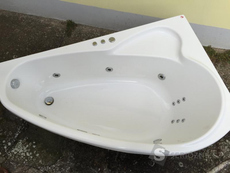 Masážní vana