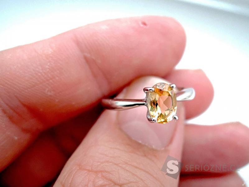 Stříbrný prstýnek s přírodním citrínem