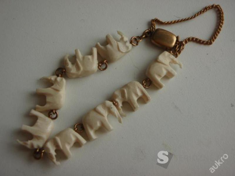 Starožitný náramek vyřezávaný ze slonoviny