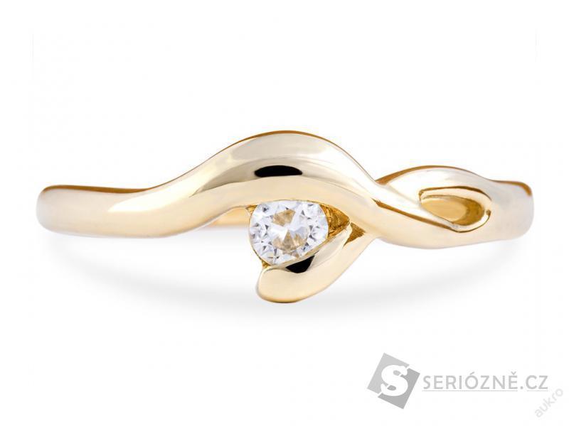 Dámský zlatý prstýnek s briliantním Moissanite
