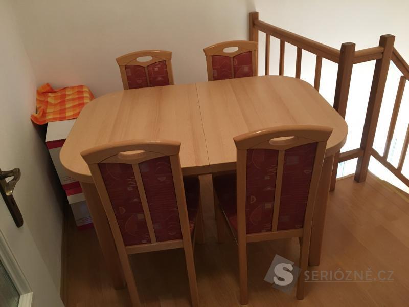 Prodám jídelní sestavu - rozkládací stůl + 4 židle