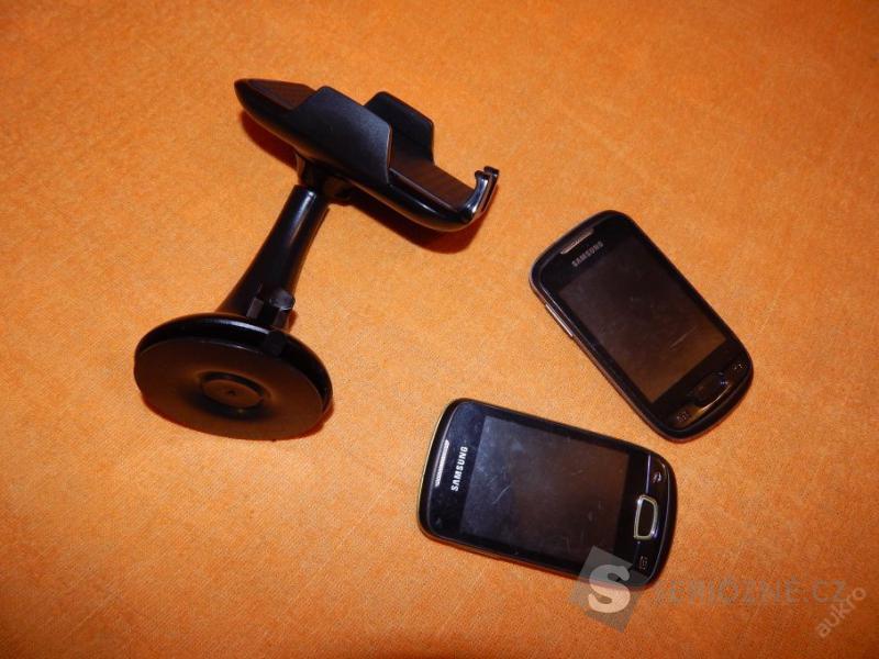 SAMSUNG mobily - 2 kusy ( přidávám držák do auta )