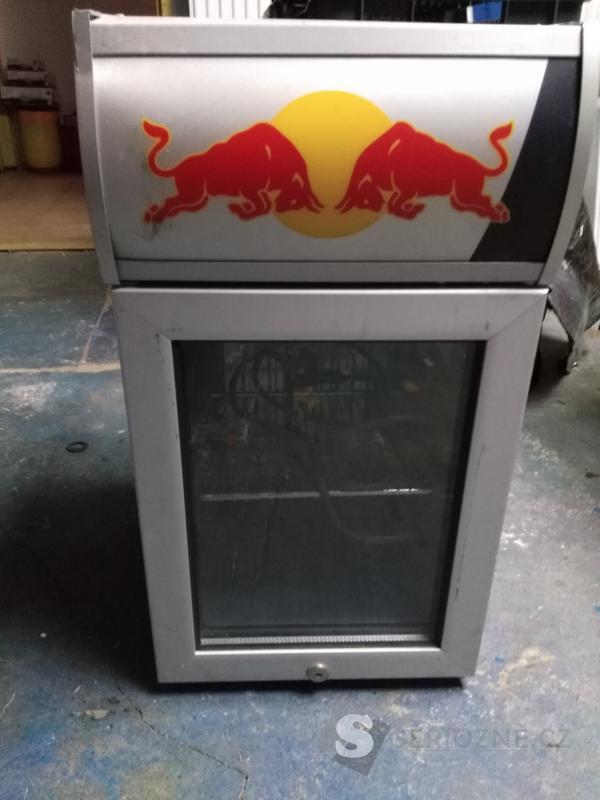 Lednice Red Bull na 24 plechovek (použitá)