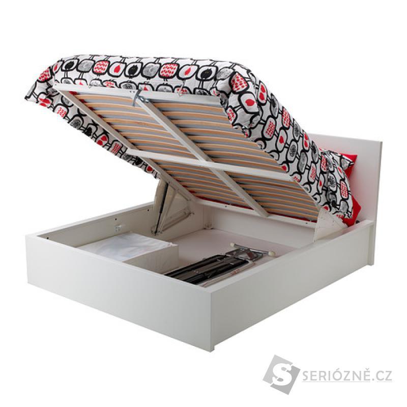 Manželská postel s úložným prostorem 180x200