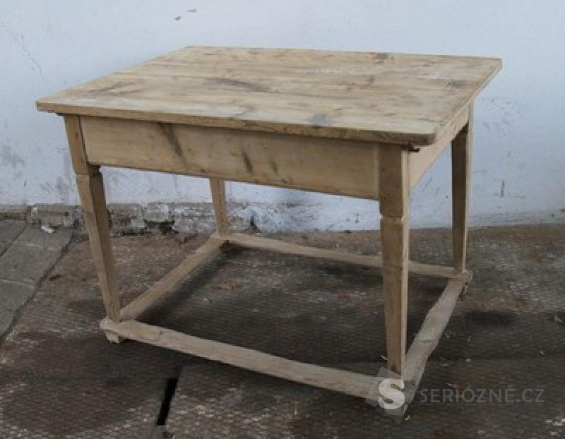 Starožitný stůl