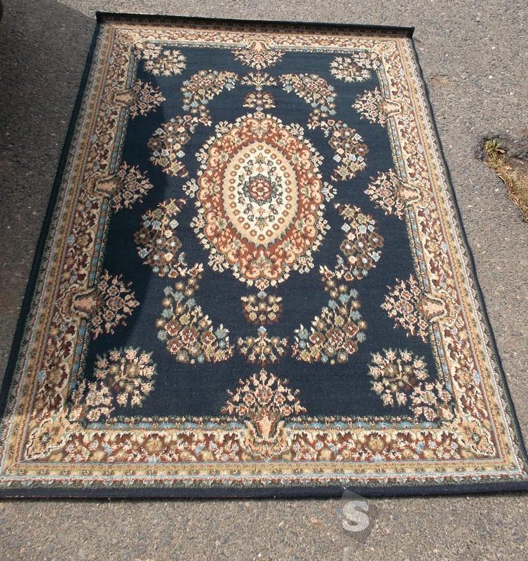 Perský strojový koberec