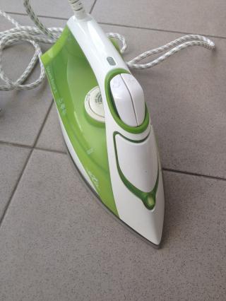 Žehlička Eta - zelená