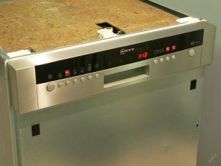 Myčka NEFF (Siemens) nerezová vestavná S41N68NOEU