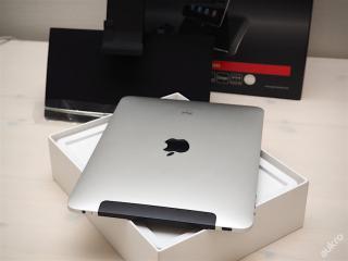 iPad 32GB WiFi + 3G tablet od Apple