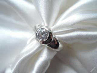 Stříbrný masivní prstýnek