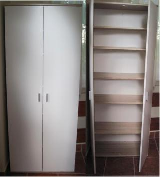 Botník - skříň