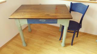 Starožitný retro jídelní stůl
