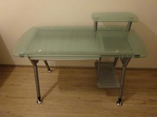 Skleněný stůl kancelářský (PC stůl