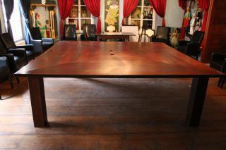 Atypický kancelářský stůl