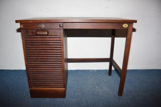 Luxusní americký psací stůl