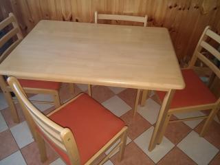 Stůl + 4 židle