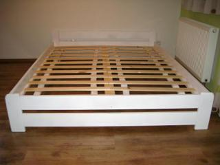 Dvoulůžková postel 180X200