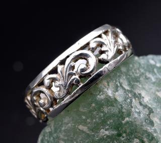 Stříbrný secesní prstýnek