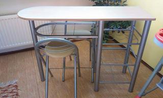 Barový stůl + 2 židle
