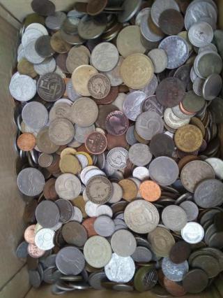 Prodám sbírku více než 2400 různých mincí