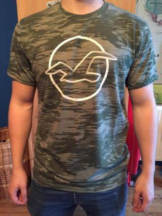 Maskáčové tričko Hollister