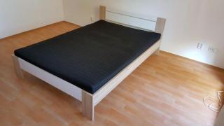 Postel - dvojlůžko 140 x 200 cm