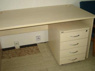 Pracovní stůl zn. HOBIS
