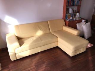 Kožený gauč
