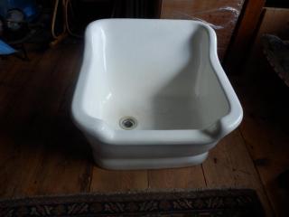 Porcelánová sedací vana