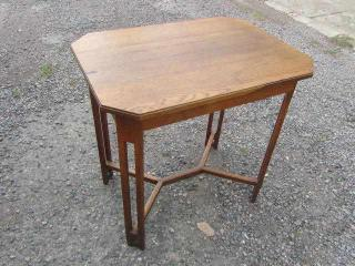 Secesní stolek stůl